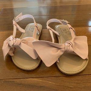 Baby Gap toddler girl blush sandals. Size 9